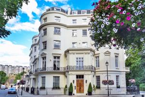 Квартира в небольшом здании в Лондоне