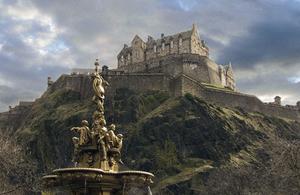 Эдинбургский замок- дворец Холируд - часовня Рослин- Эдинбург